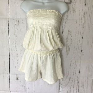 Poof  Romper strapless ,lace ruffle top